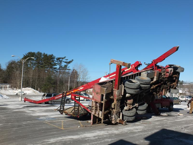 Crane topples in Small Mall parking lot | Boothbay Register