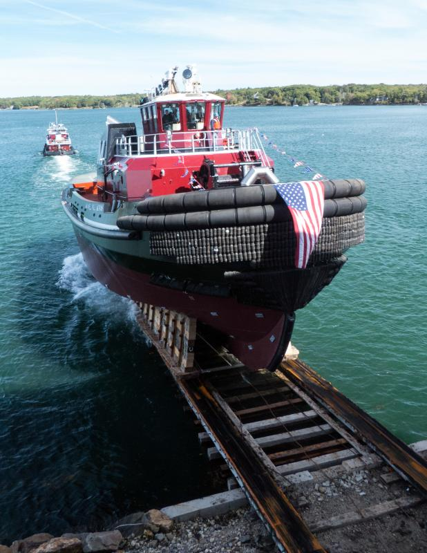 Tugboat launch at Washburn & Doughty | Boothbay Register