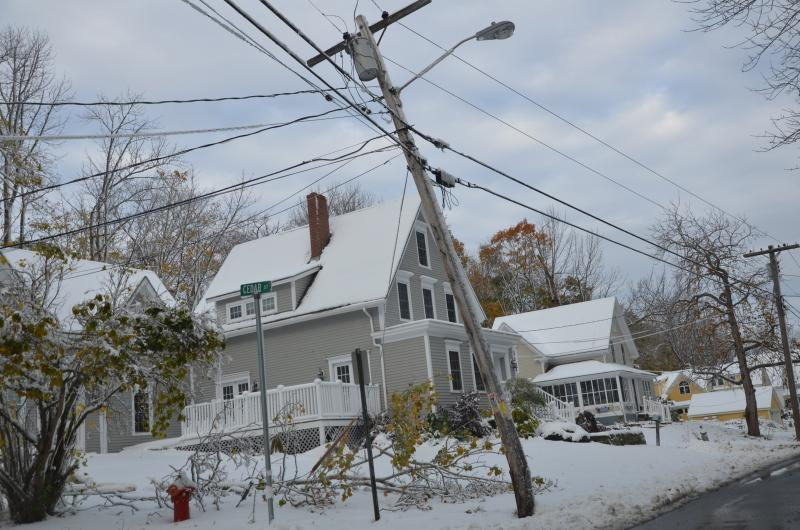 Central Maine Power The Oncoming Storm Outage Alerts And Safety
