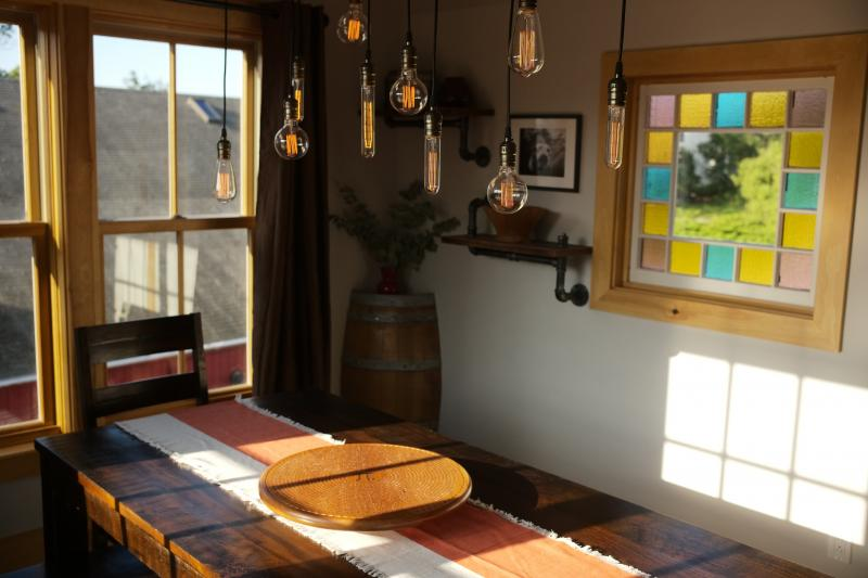 Pet-Friendly 3BR Short-term Rental in Downtown Boothbay