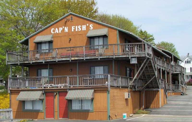 Paul Coulombe Signs Purchase And Sale Agreement For Cap N Fish S