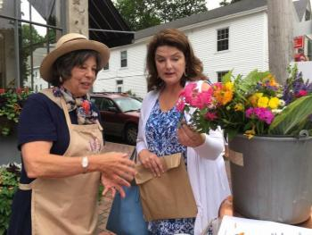 Members of the  Garden Club of Wiscasset (Maine)