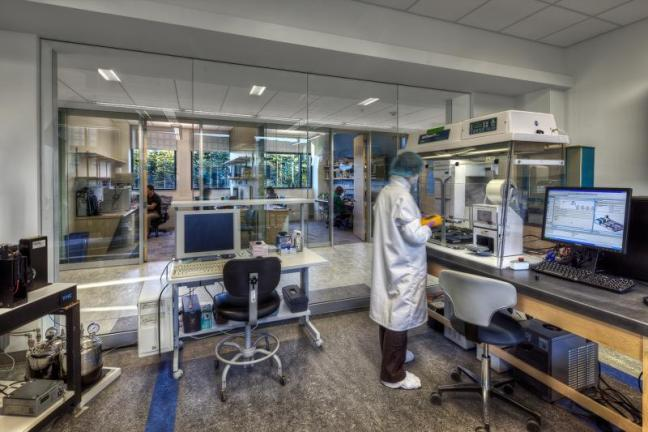 Bigelow Laboratory's Single Cell Genomics Center. Courtesy of Christopher Barnes