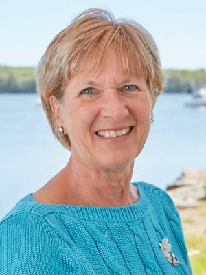 Newcastle Realty Realtor Lorrie Zeiner Earns Award for Thirty years of Service